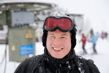 Tahkon kävijöillä on usein kiikarissa lumen ja laskemisen lisäksi myös after ski -ohjelmat ja illan kulinaariset nautinnot. Silloin on helppo hymyillä.