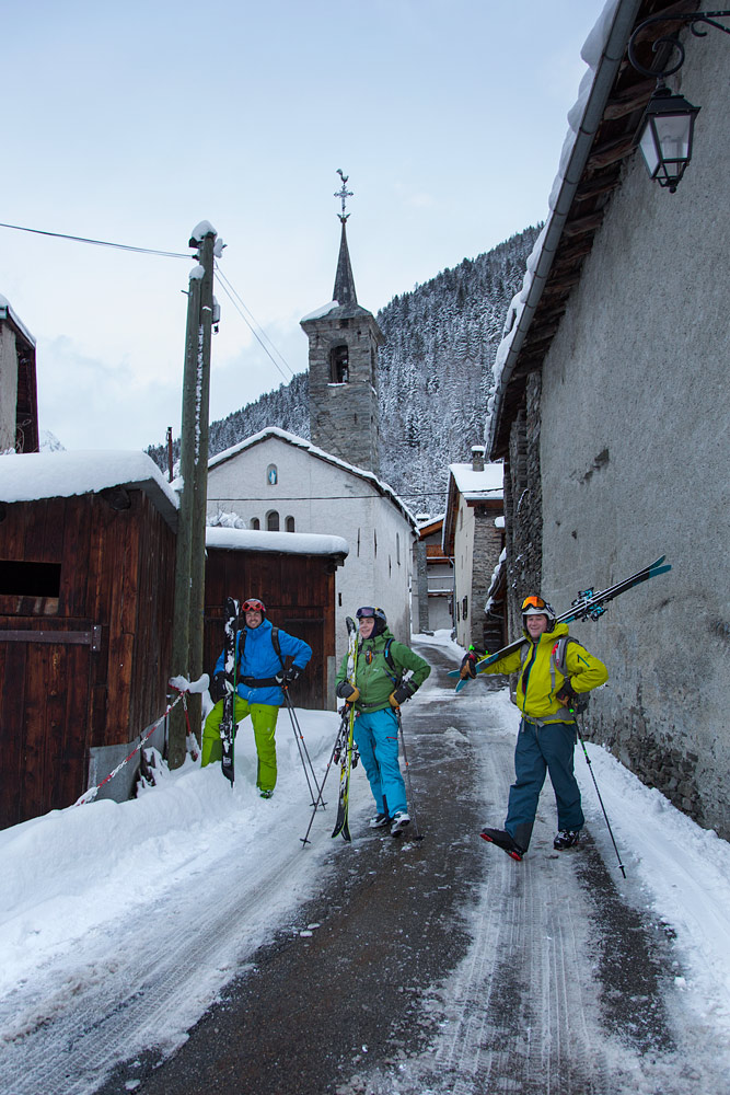 Usein mieleenpainuvimpia offarilaskuja on ne, joiden päätepisteestä tarvitaan autosiirtymää takaisin hiihtokeskuksen alueelle. Yksi Sainte Foyn hienoimmista reiteistä päättyy tänne La Masuren pieneen kylään.