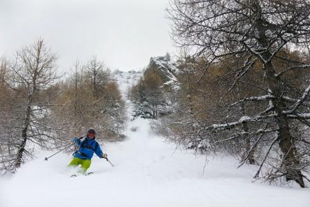 Tarentaisen laaksossa sijaitseva pieni Sainte Foyn hiihtokeskus kätkee rinteilleen lukuisia offarireittejä, joissa saa pöllytellä rauhassa.