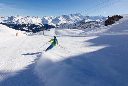 Grimentz on sen verran tuntemattomampi hiihtokeskus, että rinteissä on loistavasti tilaa omille käännöksille.