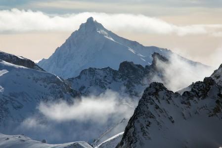 3420-metrinen Ponte De Bouchet on yksi lukuisista huipuista, jotka Mont du Vallonin yläasemalta voi bongata.