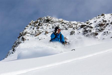 3 laakson Mont du Vallon on loistava valloitettava puuterin ystävälle. Ylös pääsee nopealla gondolilla, ja lähes koko korkeusero on alueen muita suuntia koskemattomampaa offarimaastoa. Myös rinnettä pitkin pääsee alas.