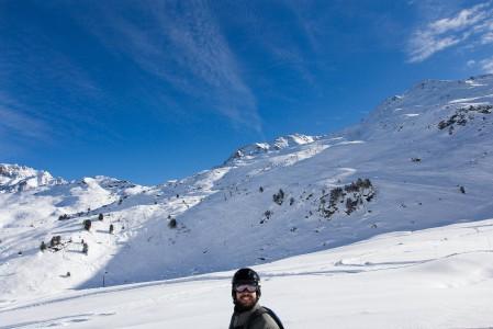 3 laakson Mont du Vallon hyvällä kelillä ja tuoreella lumella. Näidssä olosuhteissa hymy tahtoo jähmettyä kiinni naamaan.