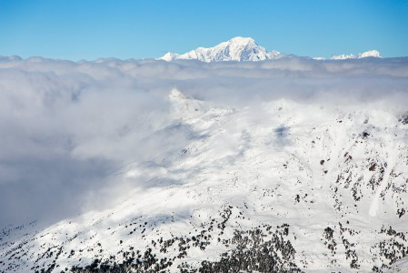 Alpeilla sää muuttuu nopeasti. Aamupäivän pilvettömyys voi hetkessä vaihtua kaiken peittävään harmaaseen. Silloin offarilla on hyvä olla suunnat hallussa.