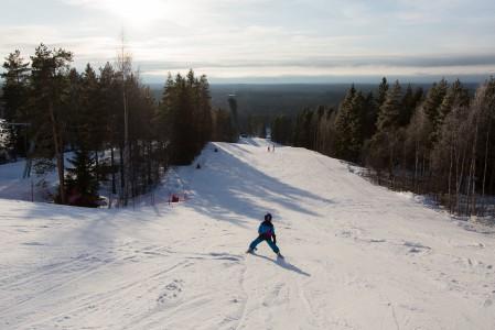 Simpsiön hiihtokeskus on syntynyt jo vuonna 1984. Sittemmin hiihtokeskuksen ympäristöön on myös noussut pienimuotoinen lomakylä mökkeineen ja lomahuoneistoineen.