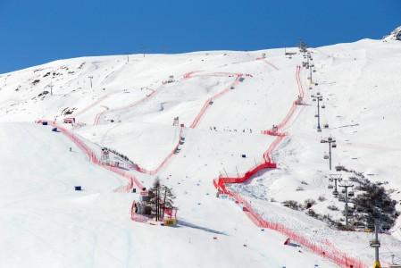 Tältä näyttivät alppihiihdon maailmancupin finaaleiden rinteet viimeisten laskujen jälkeen maaliskuussa 2016.