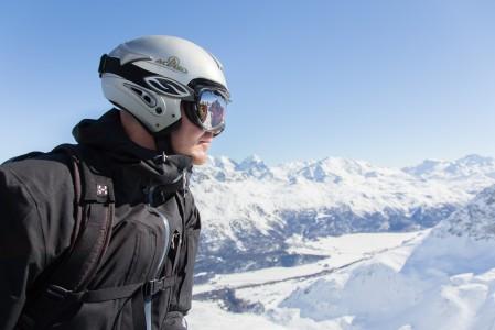 St. Moritzin Piz Nair -huipulta (3057m) on asialliset maisemat. Mutta niin on myös muiden St. Moritzin hiihtoalueiden yläasemilta, kuten Corvatsch Bergstationilta (3303 m) ja Diavolezzan huipulta (2978 m)