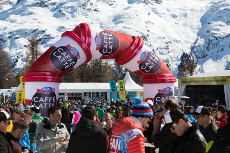 Alppihiihdon maailmancupin osakilpailuissa riittää väen kuhinaa ja monipuolista ruoka- ja juomatarjontaa.