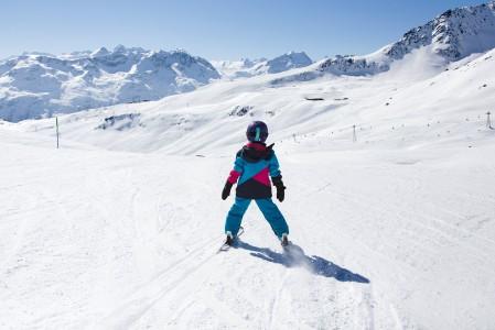 St. Moritzin Corvigliassa ei ole montaa aloitteleville lapsille sopivaa sinistä rinnettä. Muutama mukava pitkä pätkä täältäkin löytyy.