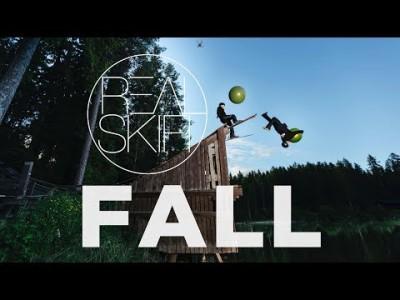 Real Skifi Fall on viimeinen lasketteluseikkailu ennen talvea. Kekseliästä laskettelua on höystetty jumppapalloilla, kajaakeilla, asuntoveneillä ja trampoliineillä.