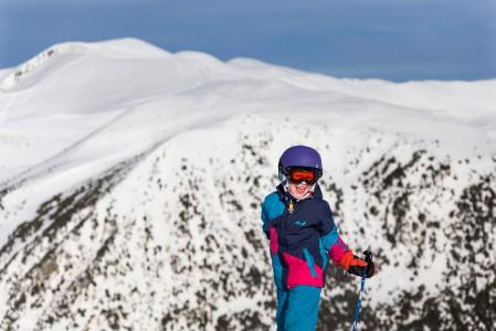 Grandvaliran hiihtokeskus Andorrassa on miltei ideaalinen hiihtolomakohde lapsiperheille. Huipulla on helppo hymyillä!
