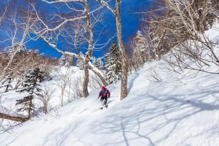 Puuterin perässä Furanoon tulija tarvitsee hieman enemmän onnea kuin monessa muussa Hokkaidon hiihtokeskuksessa. Alueelle sataa
