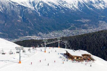 Axamer Lizumin rinteiltä voi tähystellä Innsbruckin kaupunkiin. Keskustasta on kuitenkin hisseille reilun puolen tunnin ajomatka.
