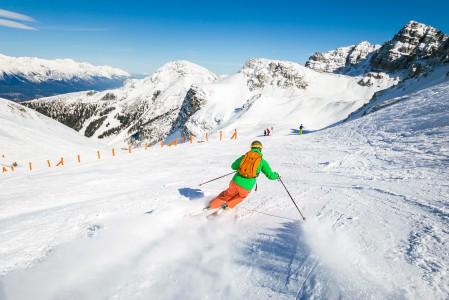 Innsbruckin hiihtoalueista Axamer Lizum sopii paremmin rinnelaskijalle kuin offarinmetsästäjälle.