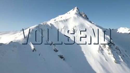 Zillertalissa keväällä 2017 kuvattu video kertoo, miltä tuntuu ensin odotella lumisadetta kolme viikkoa ja sitten päästä toimittamaan kun keli on kohdillaan.