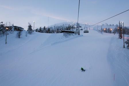 Pyhän Polar- ja Palander-rinteet ovat kummatkin sopivan haastavia ja eloisasti kumpuilevia. Molemmat on helppo nimetä Suomen top 10-rinteiden joukkoon.