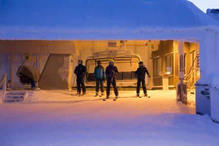 PyhäExpress-tuolihissin yläasema on kätevä hissistä poistumisen kannalta ja miellyttävän suojainen tuulilta.