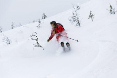 Norjan Trysil ei ole ehkä ensisijainen valinta pääosin offareita laskevalle. Kohtuullisen hyviä siivuja löytyy kuitenkin helposti rinteiden läheltä, joten rinnelaskun ohessa on houkuttelevaa pujahtaa välillä myös pehmeän lumen puolelle.