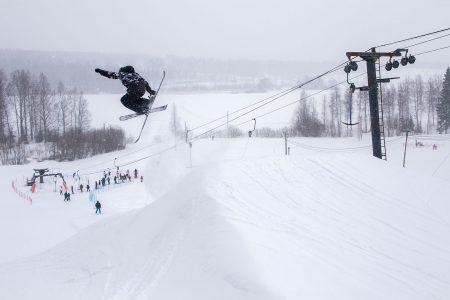 Varkaus Ski Centerin suosituin rinne on snow park, jossa aktiiviset kausikorttilaiset käyvät treenaamassa päivittäin kelistä riippumatta.