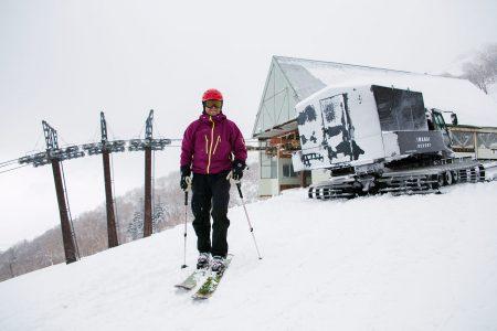 Iwanai Resortin entisen hiihtokeskuksen yläasemat toimivat nykyään lumikissahiihtäjän pysäkkeinä.