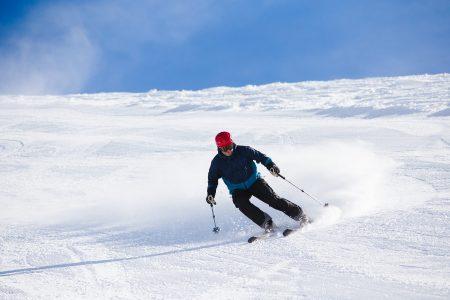 Mustat rinteet ovat Gudaurissa vähemmistössä. Tiukimmat mustat pätkät löytyvät hiihtoalueen yläosista.