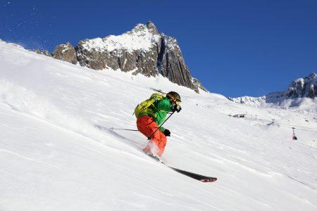 Andermattin ja Sedrunin välisellä hiihtoalueella rinteiden väleissä on tilaa. Eikä kilpailua koskemattomasta lumesta ole ainakaan alkutalvesta.