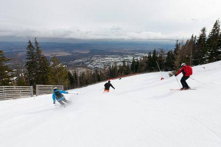 Tatranská Lomnican ylätuolihissiltä alkava 5500-metrinen lasku on Slovakian pisin. Korkeuseroa laskulle kertyy 1300 metriä.