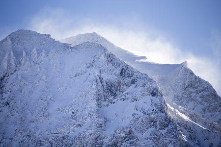 3417 metriin nouseva Bellecôte on korkein jättimäisen Paradiski-hiihtoalueen huipuista. Alueen offarit ovat vaativia.
