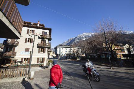Bormion kylässä/pikkukaupungissa pääsee osaksi aitoa paikallisten alppihenkistä elämäntyyliä. Turismi sulautuu täällä normaalin hyörinän joukkoon, eikä kylä siksi tunnu keinotekoiselta näyttämöltä.