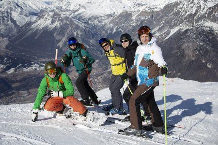 Bormion rinteet eivät ole muuten erityisen tunnettuja, mutta monet alppihiihdon ystävät tuntevat arvokisoista tutuksi tulleen legendaarisen Stelvio-rinteen.