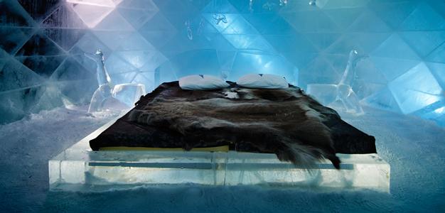 Huone Icehotelissa Jukkasjärvellä