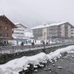 Lech kylä lumisateessa
