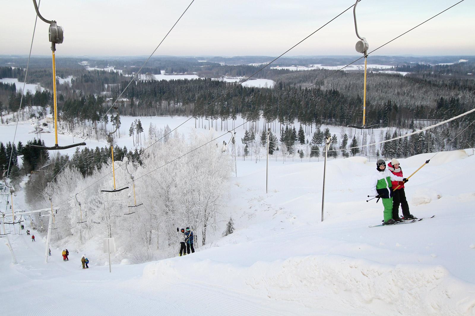 Hiihtokeskus - Sveitsin hiihtokeskus – Esittelyssä rinteet ja ...