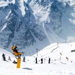 Suurin osa talven hiihtomatkoista suuntautuu yhä alpeille