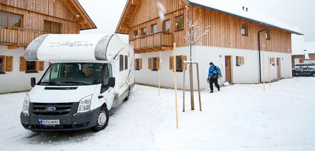 matkailuauto alpeilla Obertaun resort -majoitus