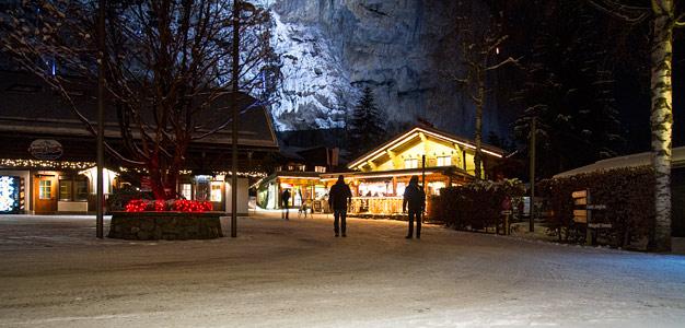 matkailuauto alpeilla Jungfrau Camping