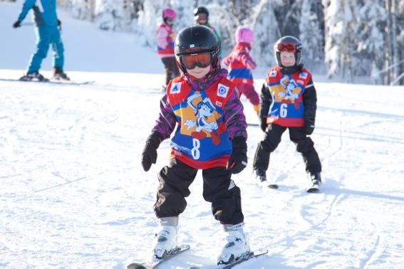 Vinkit lapsen hiihtokouluun