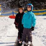 Innsbruck lapset taikamatto laskettelu hiihtohissi