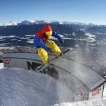 Innsbruck parkki lumilautailija lumilautailu