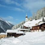 Davos alppikylä hiihtokylä alppimaisema hiihtokeskus