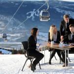 Lillehammer hiihtokeskus laskettelukeskus hiihtohissi gondolihissi maisema tunturi