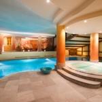 Madonna di Campiglio Hotelli Alpen Suite uima-allas after ski