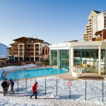 Les 2 Alpes kylä uima-allas hotelli
