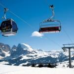 Dolomiitit hiihtohissi tuolihissi gondolihissi Alpe di Siusi