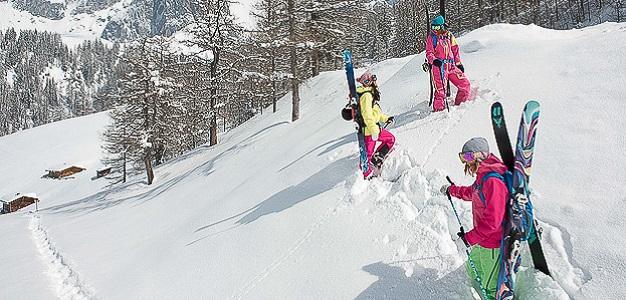 Vaikka kauden alku on monilla vasta edessä, tehdään suurin osa tulevan kauden väline- ja vaatehankinnoista jo hyvissä ajoin ennen lumen tuloa. Lumipallo selvitti tämän hetken halutuimpia laskuvälinemerkkejä.