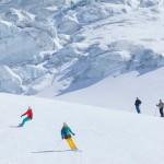 Saas Fee hiihtokeskus lumilautailu rinteet laskettelu