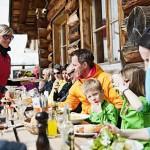 Arosa Lenzerheide terassi rinneravintola after ski perheet