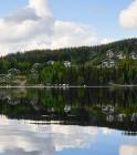Ukkohallan majoitusta Syväjärven rannalla