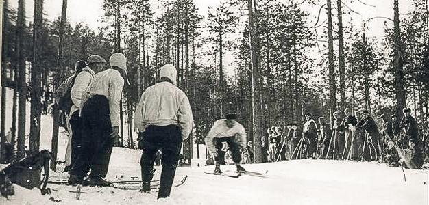 SM-syöksylaskukisat Sallatunturilla 1930-luvun loppupuolella