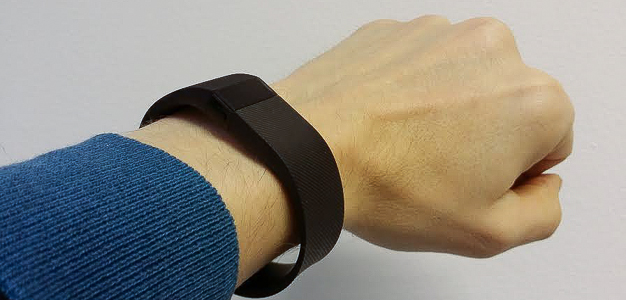 Lumipallo testaa - Fitbit Charge